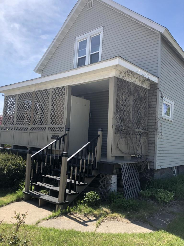 View Single-Family Home For Sale at 1271 Marinette AVE, Marinette, WI