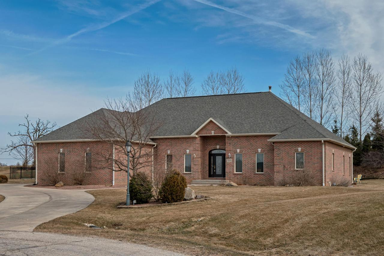 View Single-Family Home For Sale at 28606 Tamarack Trl, Waterford, WI