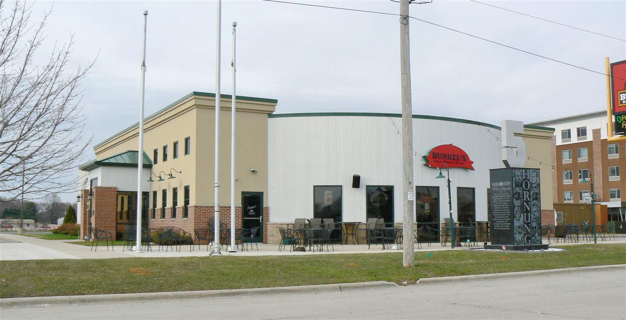 View Commercial For Sale at 1007 TONY CANADEO RUN, Green Bay, WI