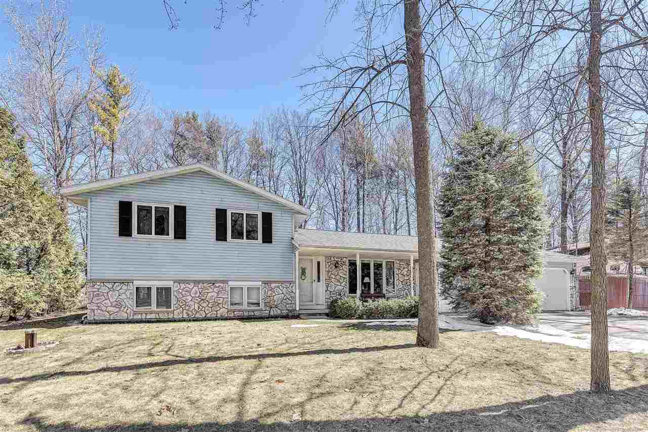 View Single-Family Home For Sale at 3176 INVERNESS LANE, New Franken, WI