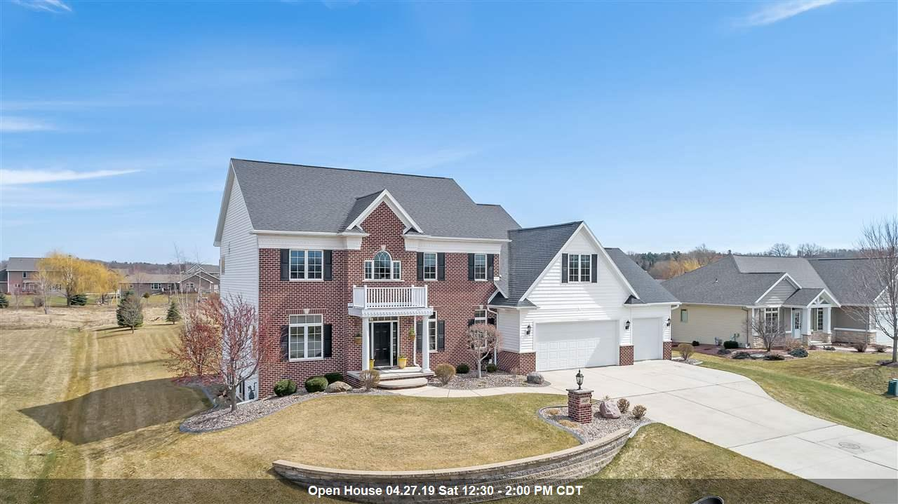 View Single-Family Home For Sale at 3687 HALF CROWN RUN, De Pere, WI