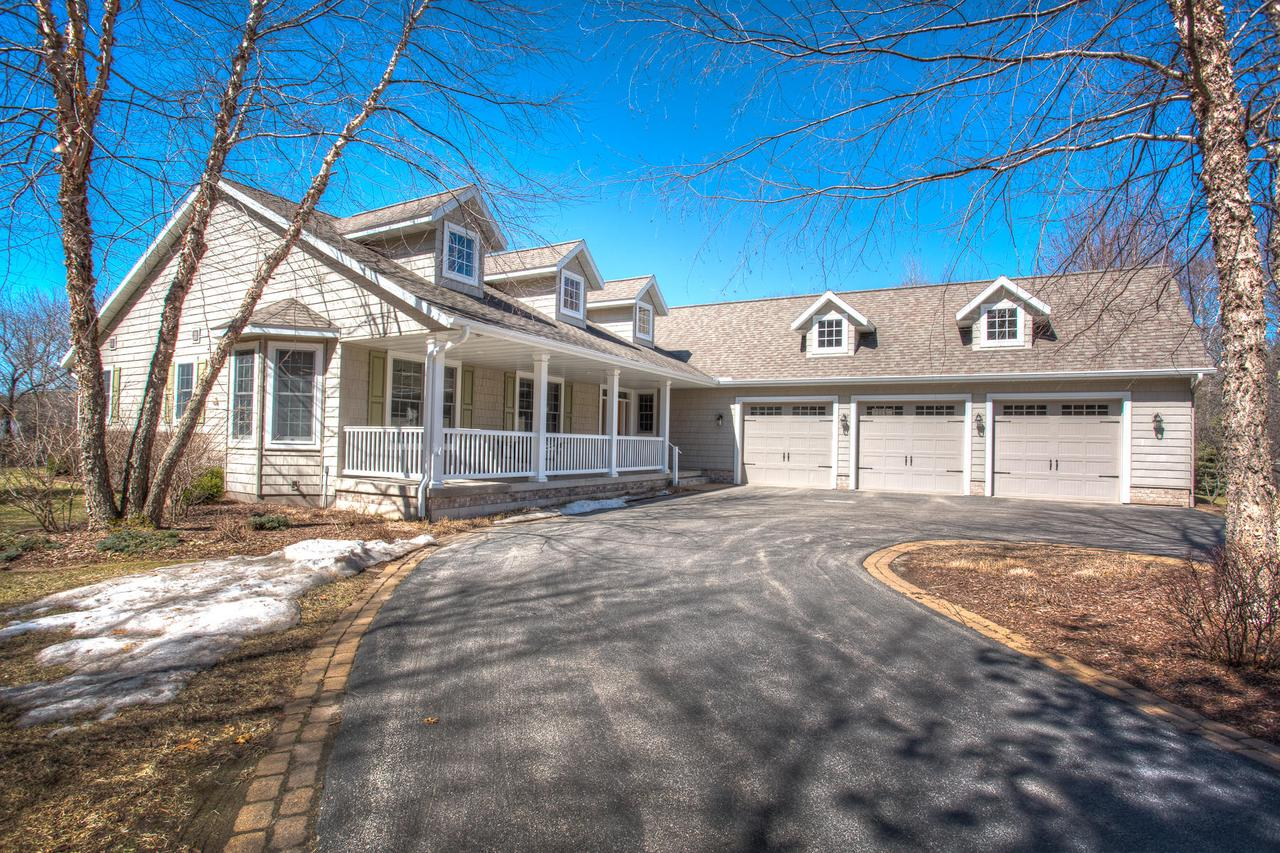 View Single-Family Home For Sale at N2811 Stanley Ln, Marinette, WI
