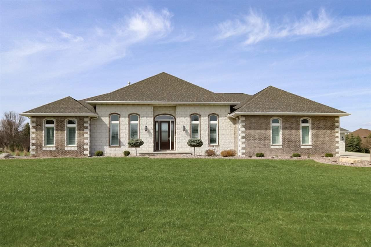 View Single-Family Home For Sale at 2984 W HONEYSUCKLE LANE, Appleton, WI