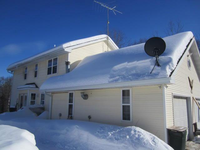 View Single-Family Home For Sale at W14180 Oakwood Hills Dr, Silver Cliff, WI
