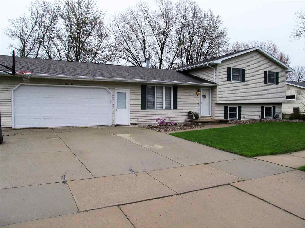 View Single-Family Home For Sale at 152 W GREENFIELD DRIVE, Little Chute, WI