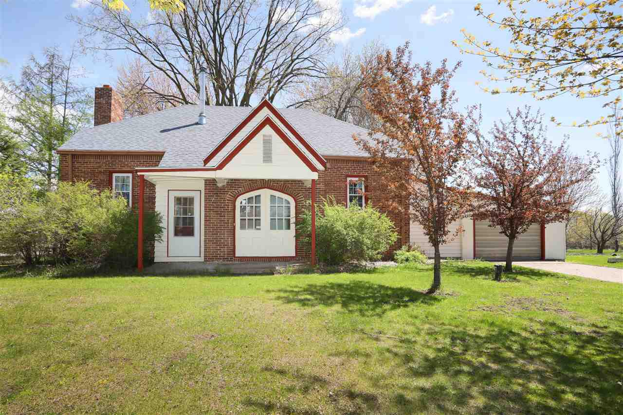 View Single-Family Home For Sale at N6292 HOOYMAN ROAD, Shiocton, WI