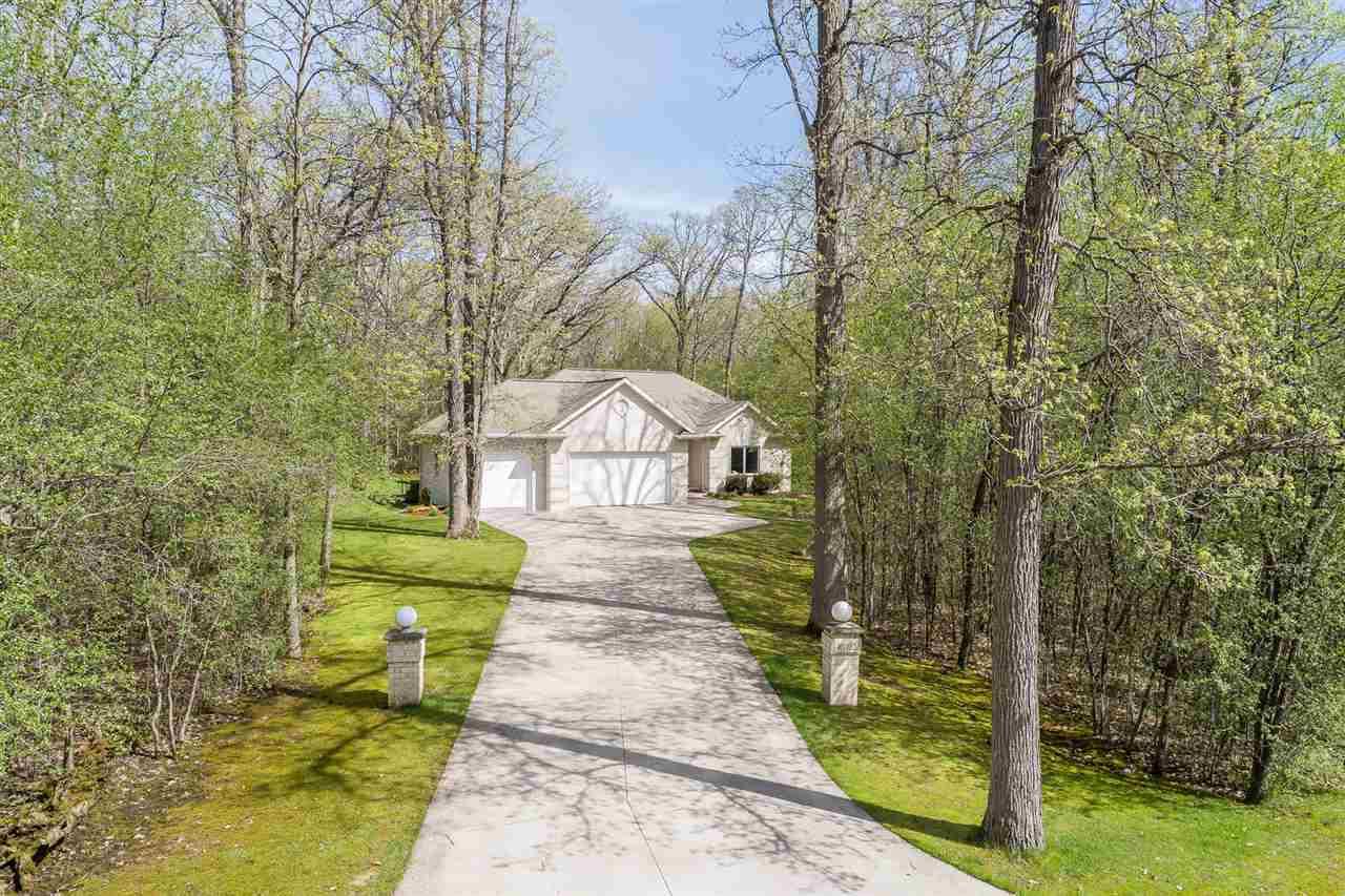 View Single-Family Home For Sale at W1722 CHRISTINE COURT, Kaukauna, WI