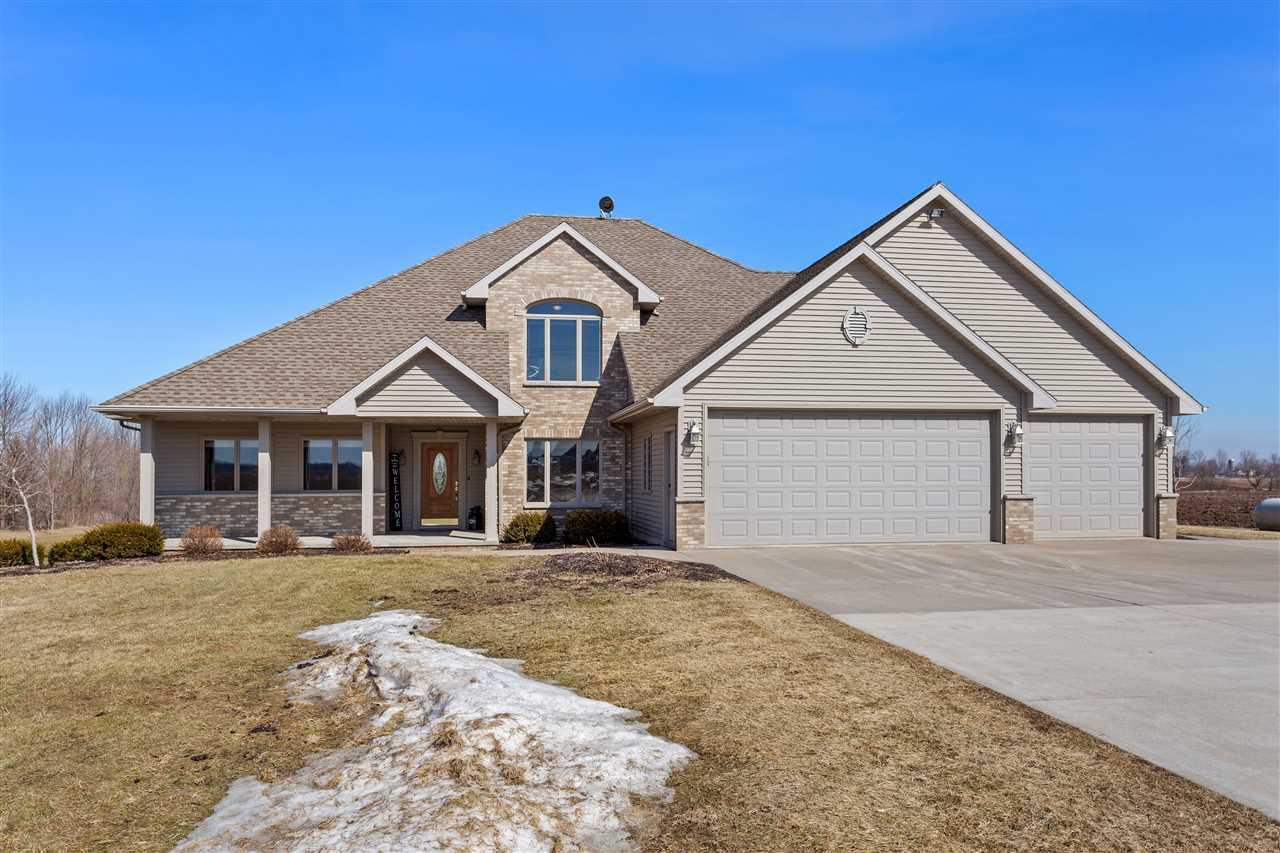 View Single-Family Home For Sale at W3448 DUNDAS ROAD, Kaukauna, WI