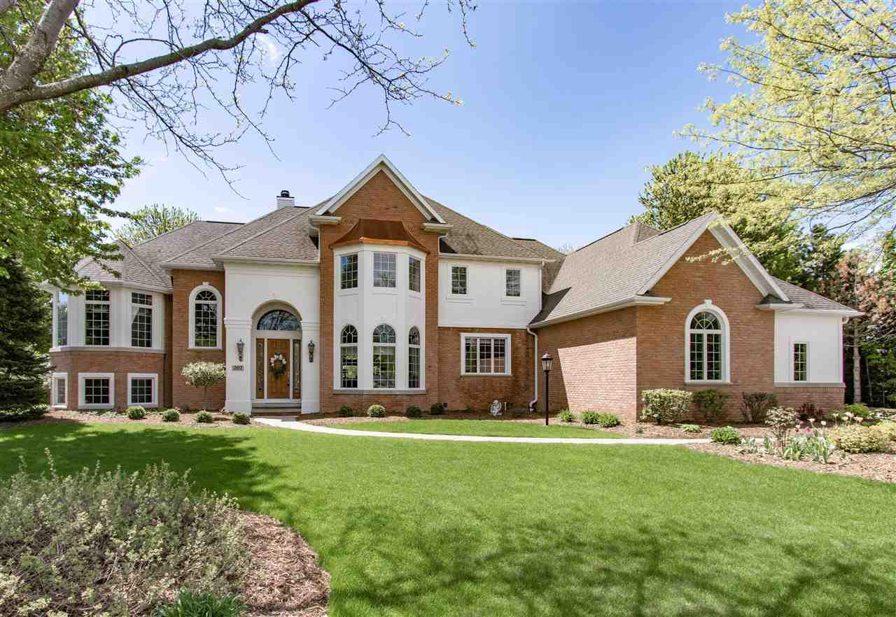View Single-Family Home For Sale at 201 E MORNING GLORY DRIVE, Appleton, WI
