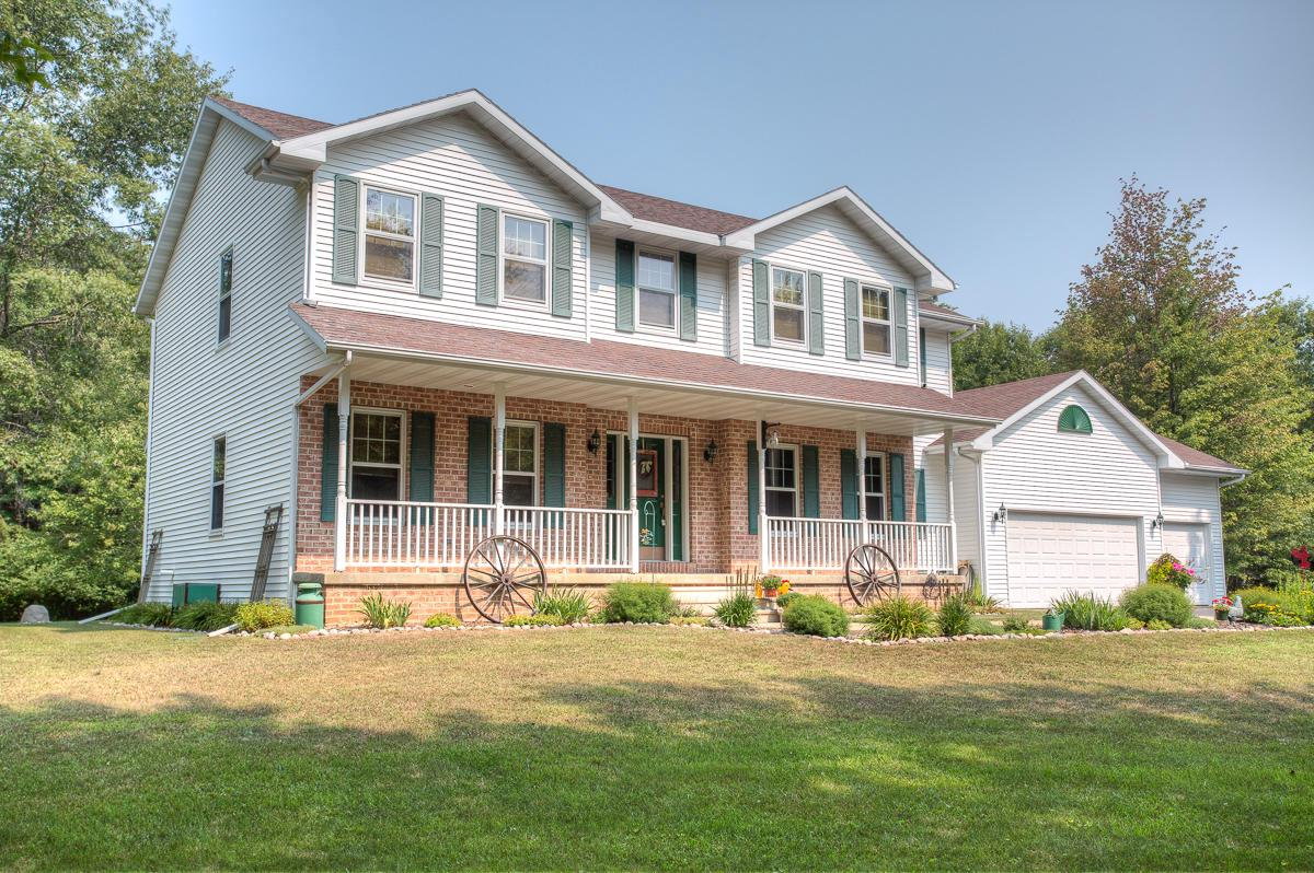 View Single-Family Home For Sale at W794 Heath Ln, Marinette, WI