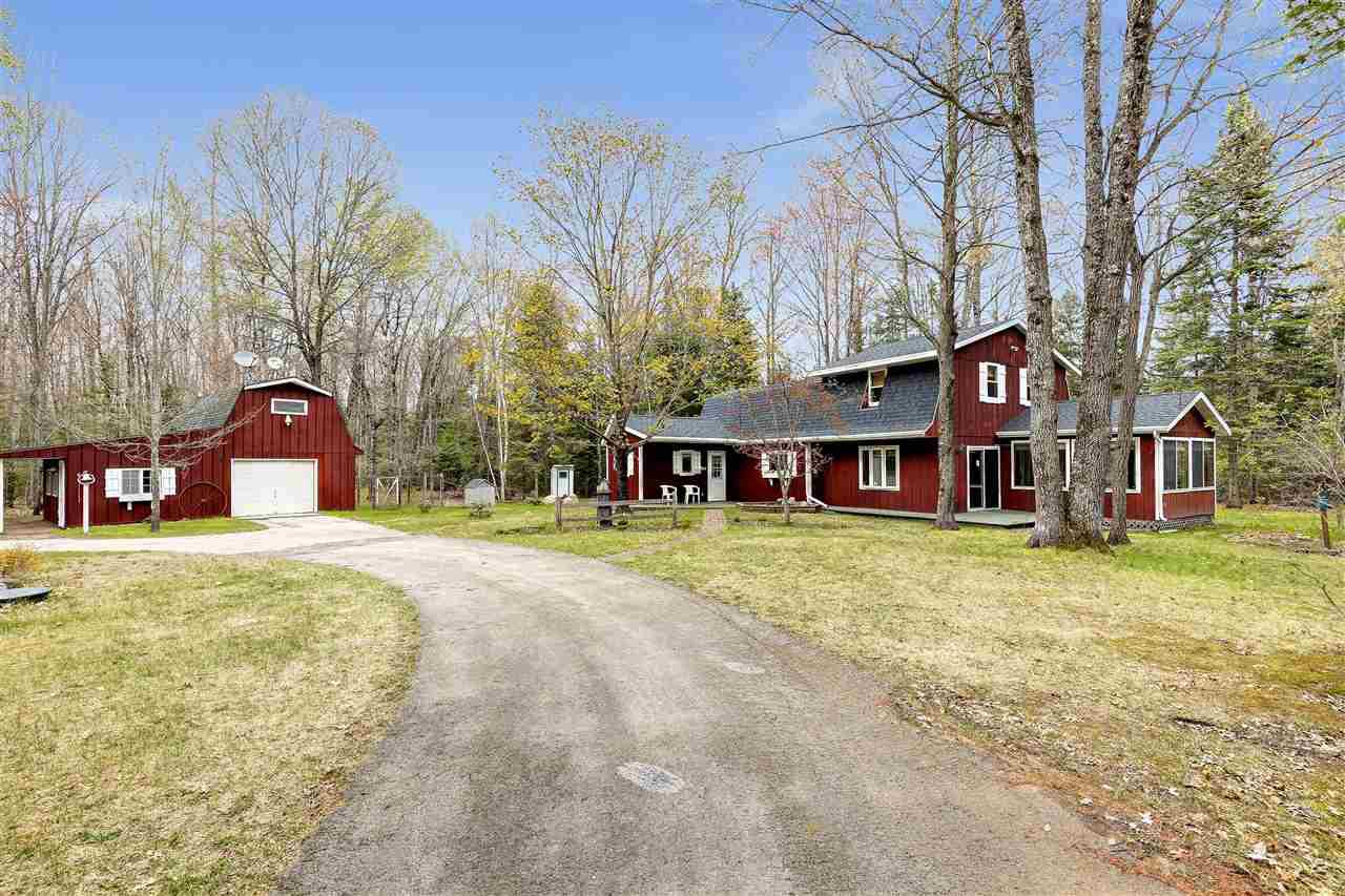 View Single-Family Home For Sale at N11452 PARKWAY ROAD, Silver Cliff, WI