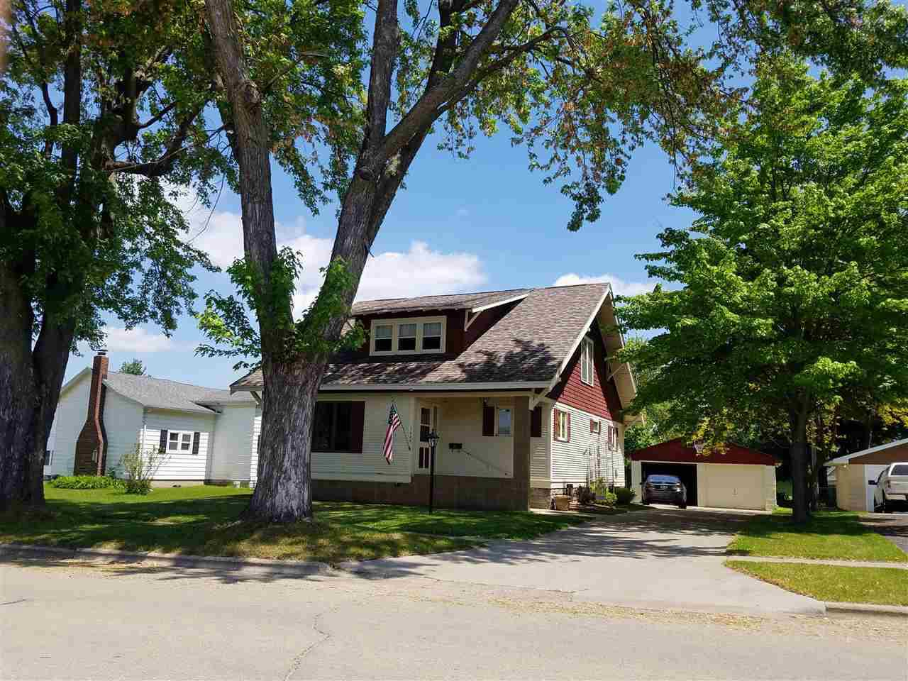 View Single-Family Home For Sale at 1004 S PEARL STREET, New London, WI