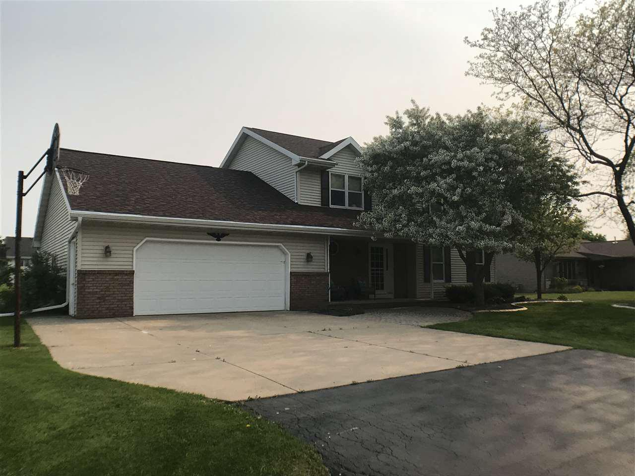 View Single-Family Home For Sale at W2529 FRONTIER DRIVE, Appleton, WI