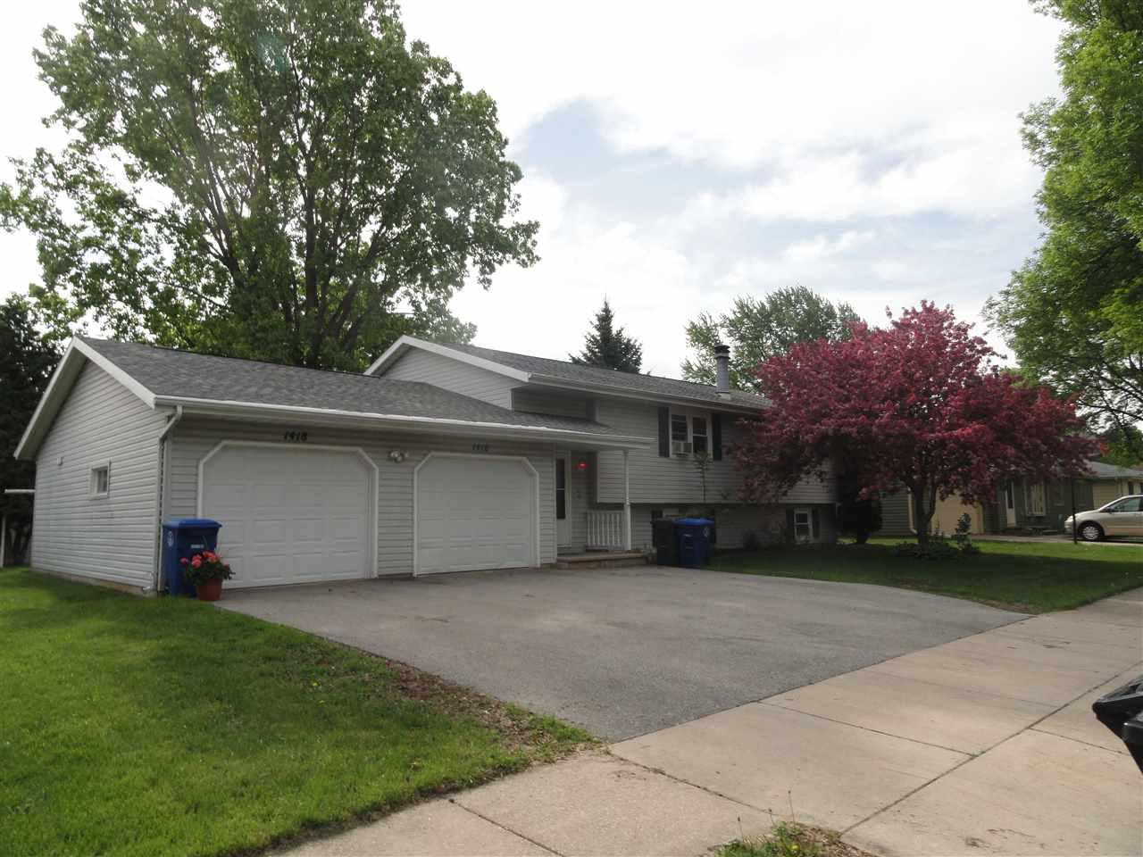 View Multi-Family For Sale at 1416 MIAMI CIRCLE, Little Chute, WI