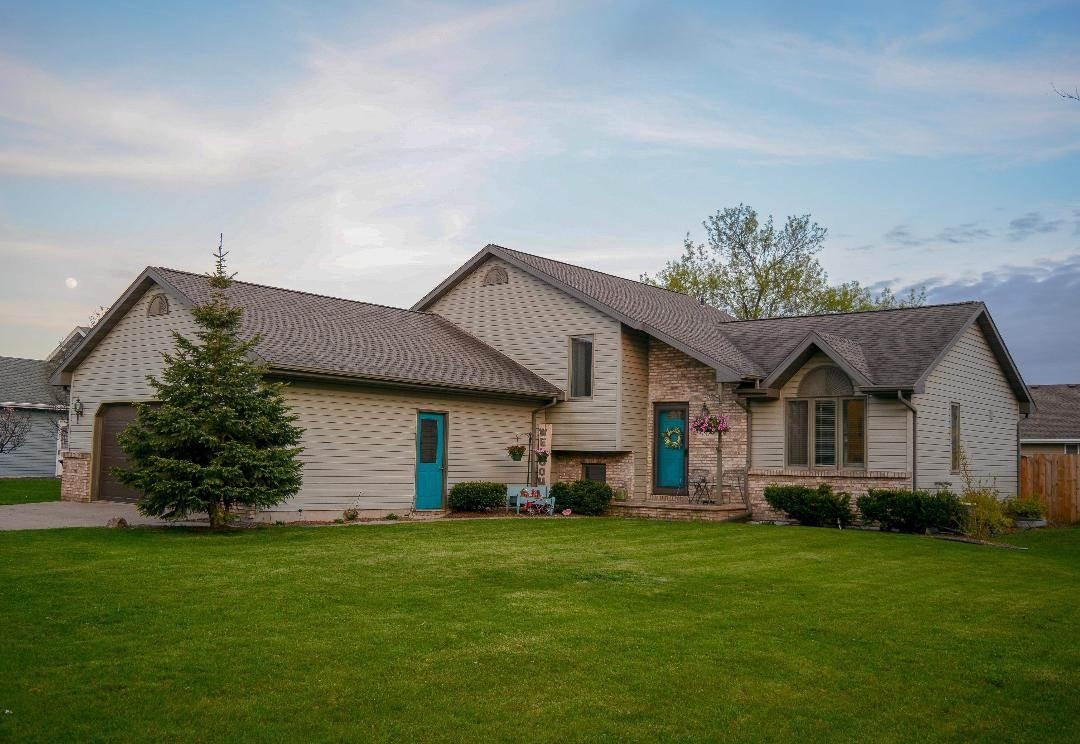 View Single-Family Home For Sale at 737 WOODSVIEW LANE, Kimberly, WI