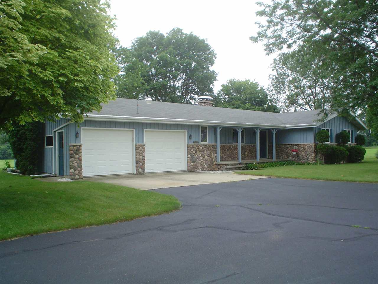 View Single-Family Home For Sale at 3325 W BROADWAY DRIVE, Appleton, WI