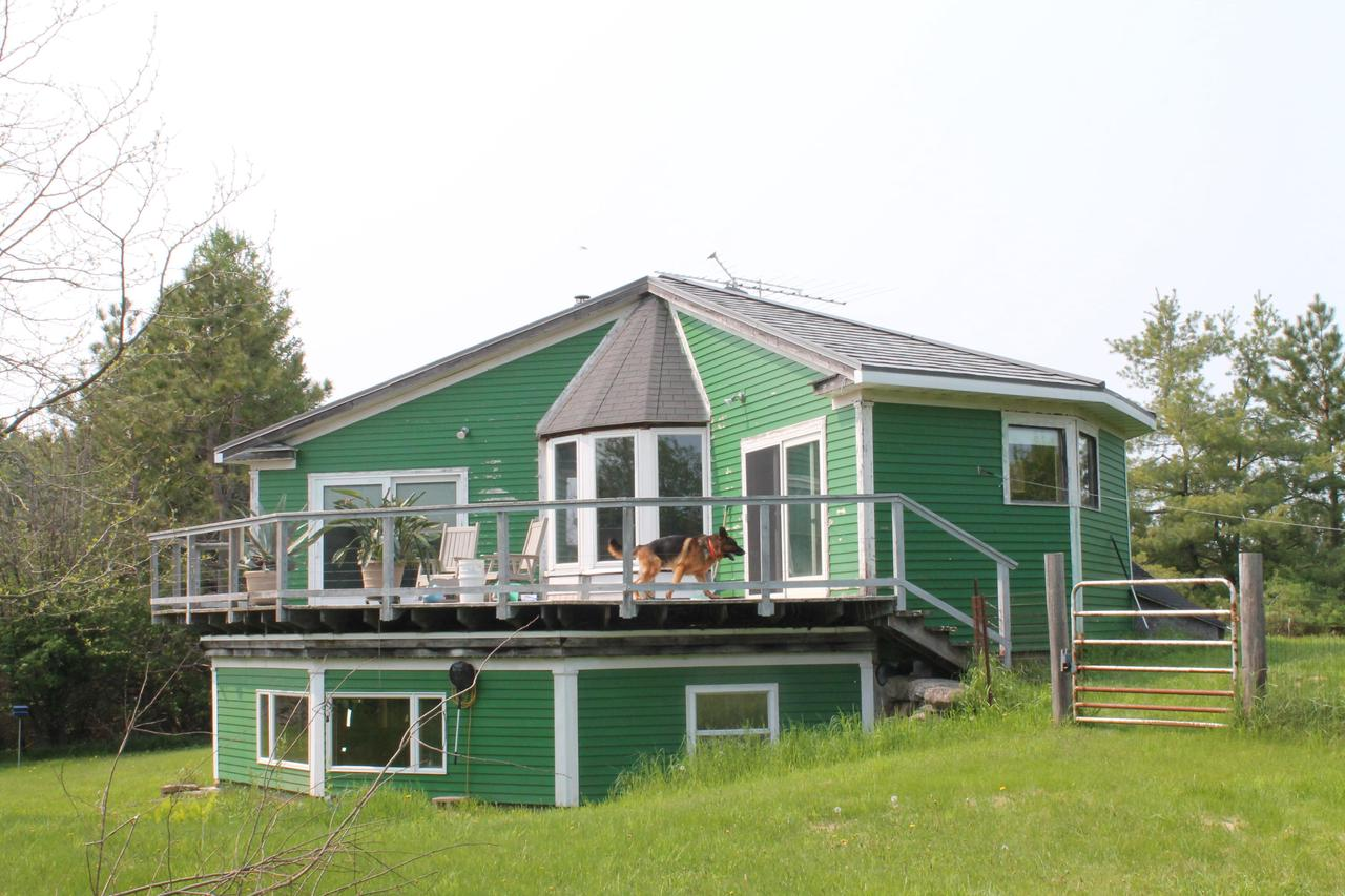 View Single-Family Home For Sale at N3920 R-2 Ln, MENOMINEE, MI