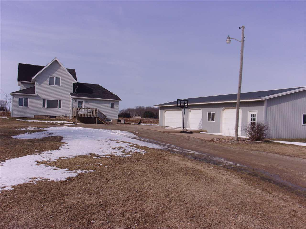 View Single-Family Home For Sale at N5964 HWY D, New London, WI
