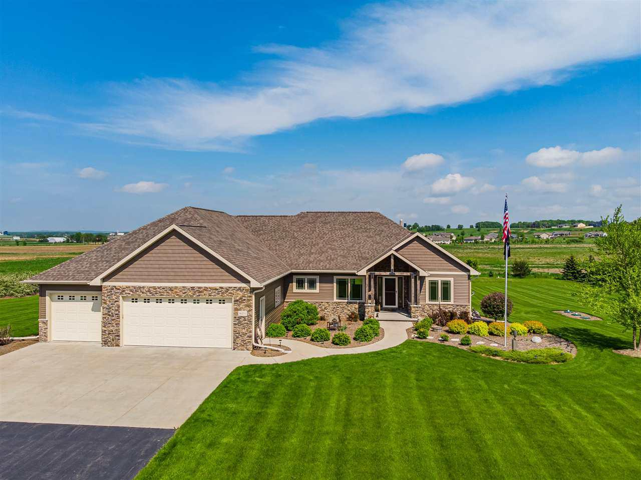 View Single-Family Home For Sale at W274 HAWKS NEST LANE, Kaukauna, WI