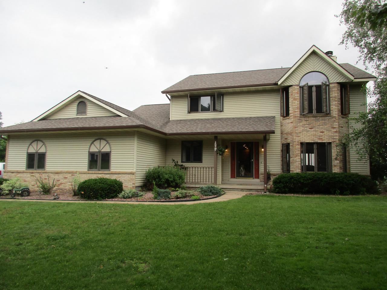 View Single-Family Home For Sale at 179 Eagles Bluff Rd, La Crescent, MN