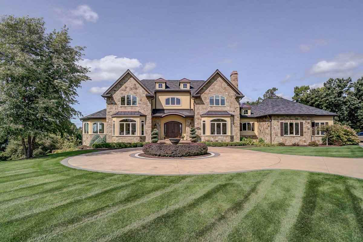 Homes For Sale Middleton Wi >> Homes For Sale In Middleton Cross Plains School District Place