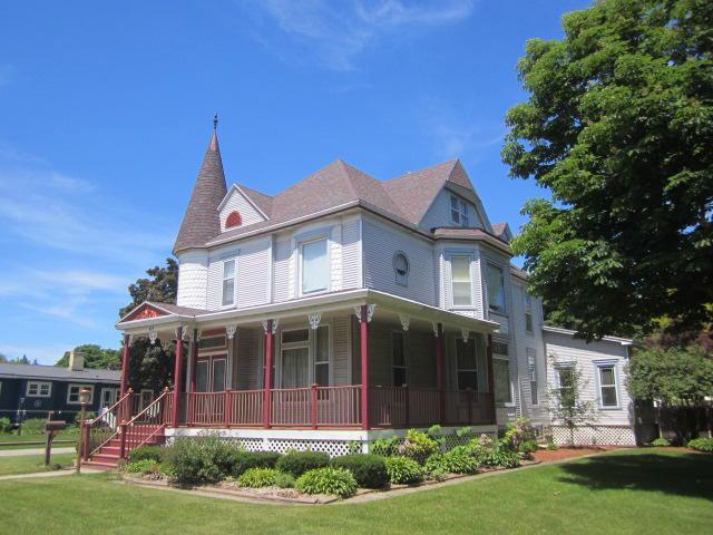 View Single-Family Home For Sale at 427 Main St, Oconto, WI