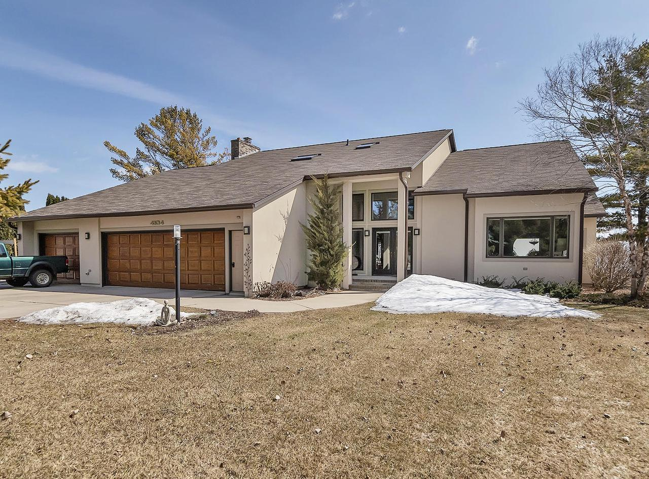 View Single-Family Home For Sale at 4104 Michigan Shores Dr., MENOMINEE, MI