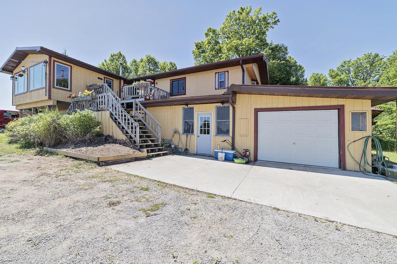 View Single-Family Home For Sale at 10107 I-7 Ln, DAGGETT, MI
