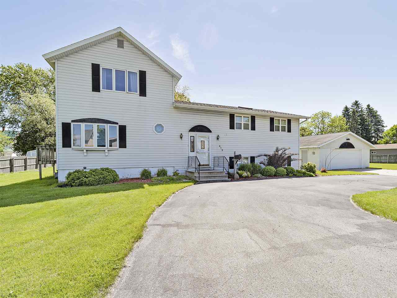 View Single-Family Home For Sale at 419 BAXTER STREET, Marinette, WI