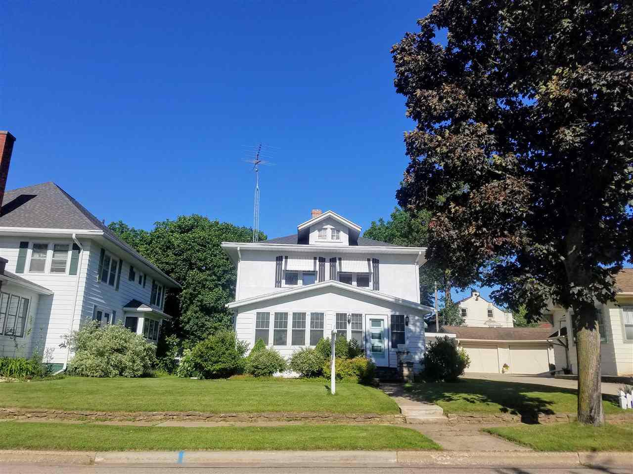 View Single-Family Home For Sale at 614 DICKINSON STREET, New London, WI
