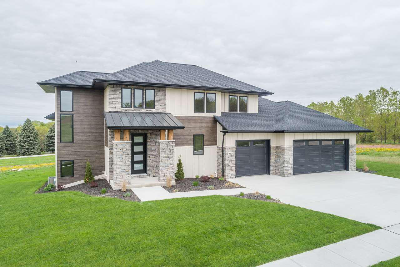 View Single-Family Home For Sale at 4607 ROYAL VISTA TRAIL, De Pere, WI