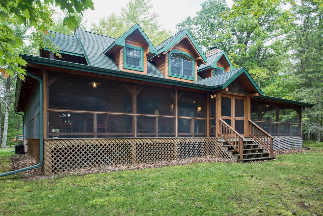 View Single-Family Home For Sale at N10578 Caylor Rd, Green Valley, WI