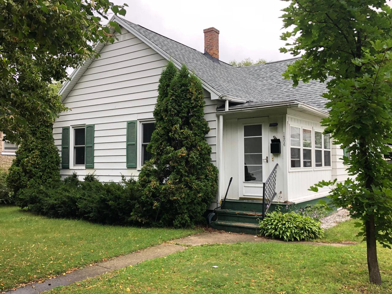 View Single-Family Home For Sale at 1206 Parnell St, Marinette, WI