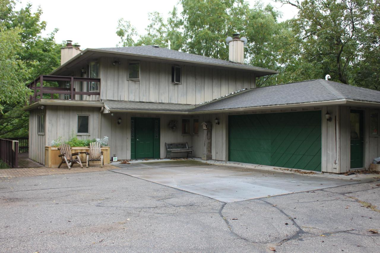 View Single-Family Home For Sale at 2177 County Road 25, La Crescent, MN
