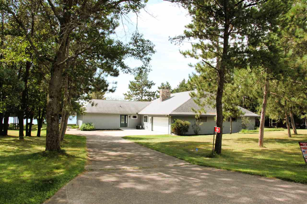 View Single-Family Home For Sale at 940 Essex Ct, Nekoosa, WI