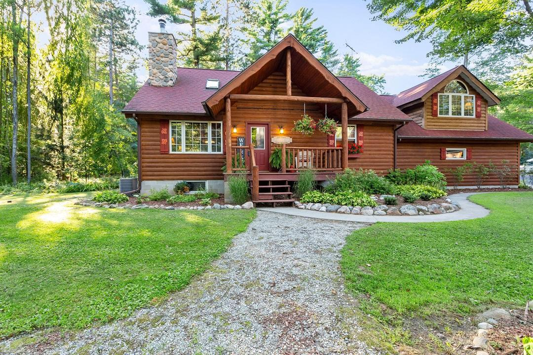 View Single-Family Home For Sale at W1828 County Rd B, Marinette, WI