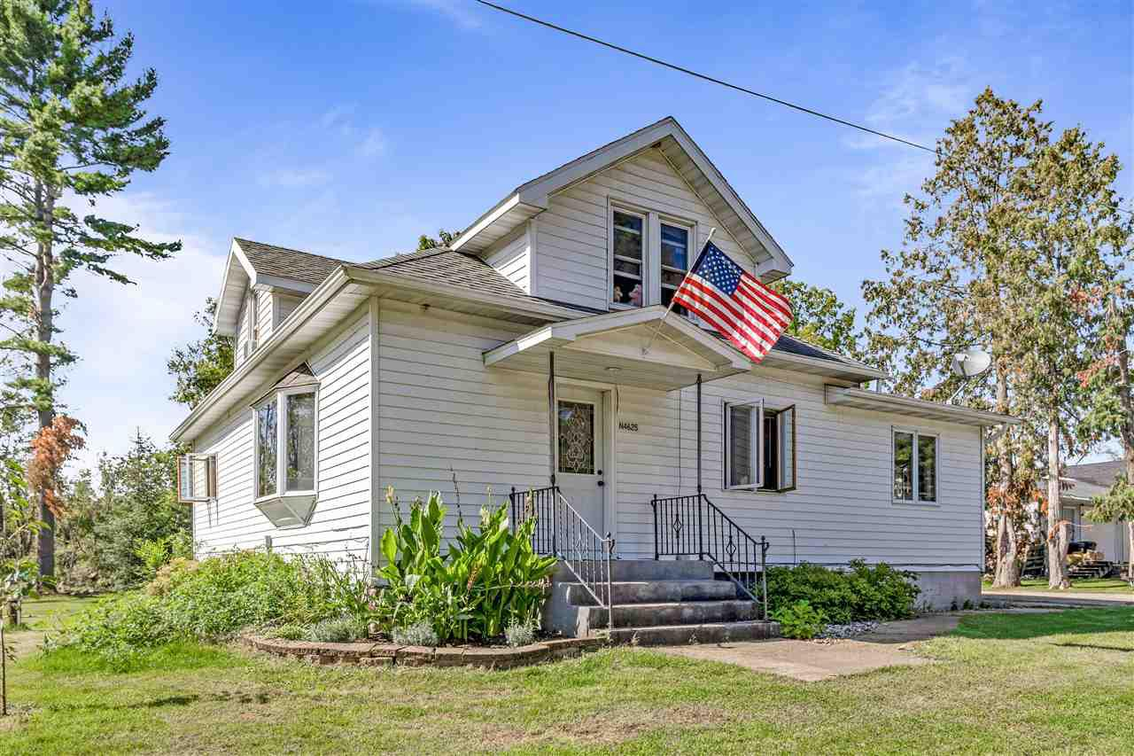 View Single-Family Home For Sale at N4625 SCHOOL STREET, New London, WI