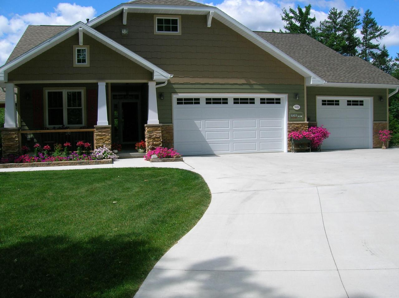 View Single-Family Home For Sale at 1415 Rosa Ave, Crivitz, WI