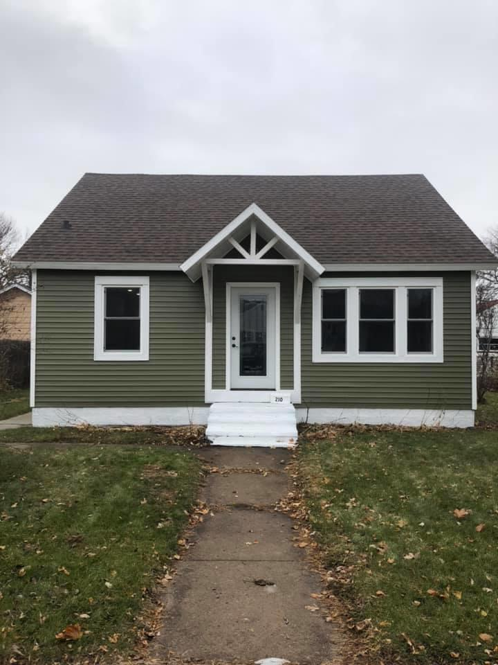 View Single-Family Home For Sale at 2109 17th Ave, MENOMINEE, MI