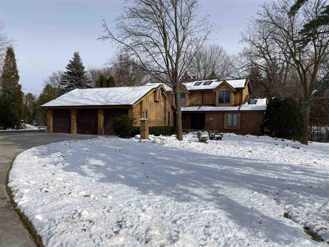 View Single-Family Home For Sale at 2110 PALISADES DRIVE, Appleton, WI