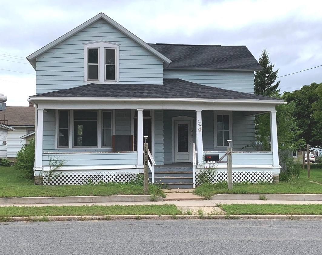 View Single-Family Home For Sale at 1212 17th Ave, MENOMINEE, MI