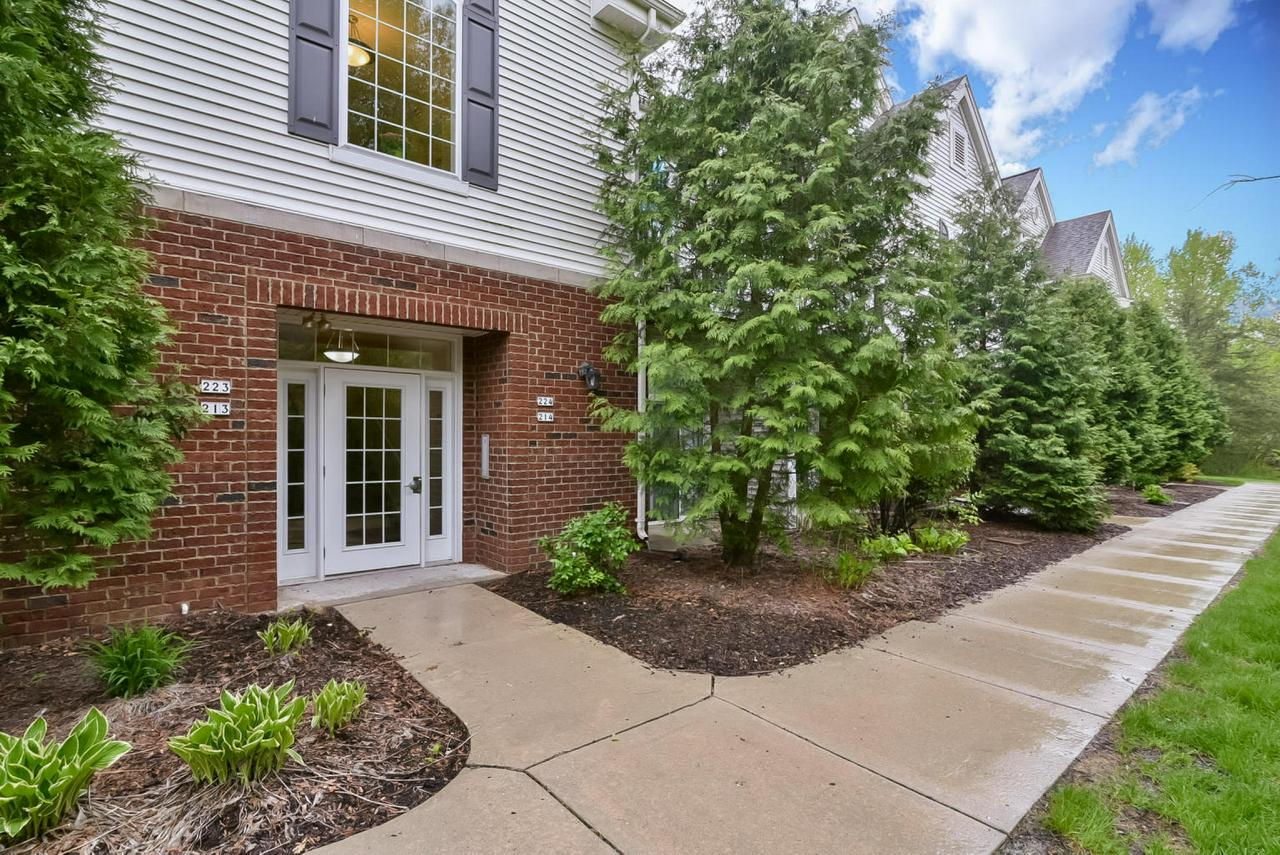This Stunning 2BR/2BA condo PLUS loft area features over 1500 sq ft, vaulted ceilings,gas Fireplace with beautiful brick surround, open concept Kitchen/Living/Dining room, separate in unit laundry room, private entrance, balcony off of the living room with wooded view, Master Suite w/full bath & Walk in Shower, Kitchen with breakfast bar,loft w/skylights and HUGE WIC, and 2 underground parking spaces. New paint and carpet throughout(2018), & vinyl plank flooring (2016) complete the package. Call today!
