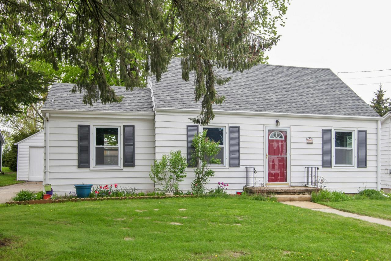 This charming Ranch has many updates. Enjoy a freshly painted interior with new carpet in all bedrooms. Windows, furnace, water heater, refrigerator and disposal have all been replaced within the past 5-6 years. Home is located on a quiet street. Back sun porch and spacious fenced in back yard are an additional bonus. Conveniently located.