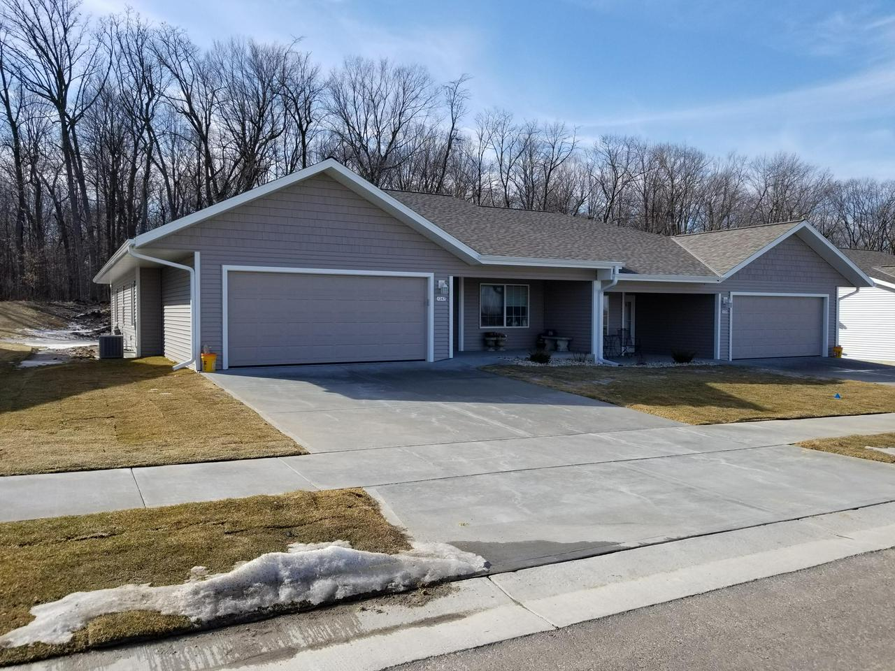 New construction for 2019.  1st floor senior ranch ready to move in Spring of 2019.  3BR, 2Ba, 2 car garage, utility/storage room, snack bar, pantry, 1,700 sq ft.  No step at front and garage, unfinished walk-out basement included.  Walk in closets, 3' wide doors.  Front covered sitting porch.  Choose countertops, lights, flooring.  Clubhouse - Hall with Den/Library/Game Room/Patio.  Landscaping/Walks/Drives included.  City Sewer/Water/Streets/Sidewalks.  Low $105/mo fee.  Adjacent City Wooded park.  Garden area each unit.  Walk to shop/eat/bank/medical.  Sold out!