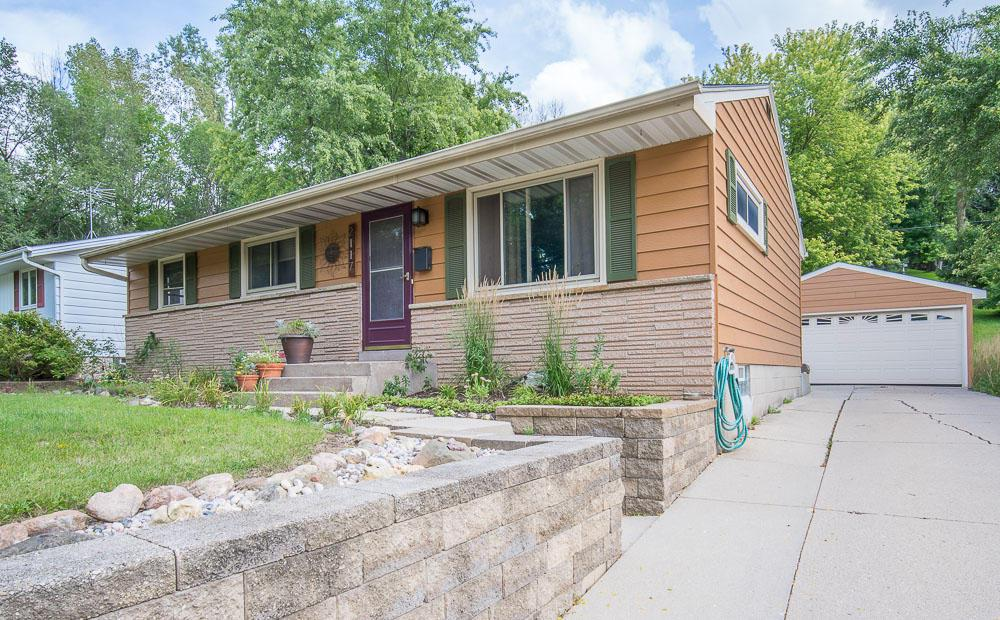 NEW CARPET INSTALLED 9-23-18 !! A cozy 3 bedroom home with a beautifully landscaped yard. A newly remodeled Kitchen and Bathroom are sure to please. Located on a quiet street. Don't miss your chance to make this your home.