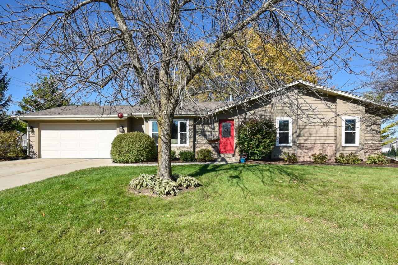 Open concept 3 BR ranch in the Heart of Jackson. Master BR with full Bath. Beautiful quartz breakfast bar. A short walk to Jackson Park. New windows installled in 2016. Grow your own vegetables w/ the raised veggie garden.