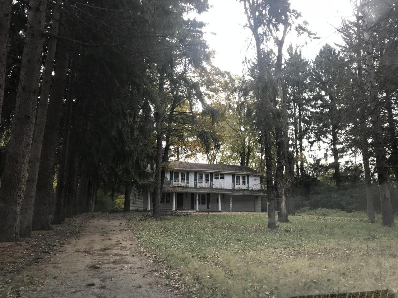 Always wanted a home on the Milwaukee River?  This one is priced just for you and all of your great ideas.  Beautiful 1st floor w/NFP and family rm w/french doors to brick deck and gorgeous wooded backyard.  1 bedroom and full bath on 1st floor.  2nd fl. has 3 bedrooms, 1 full bath and a master suite w/nfp. Double sink in master bath. This home offers a great starting point for a absolutely beautiful home.  Make it yours!  Natural Fire Place (2), French Door in many of the rooms. Crown Molding,