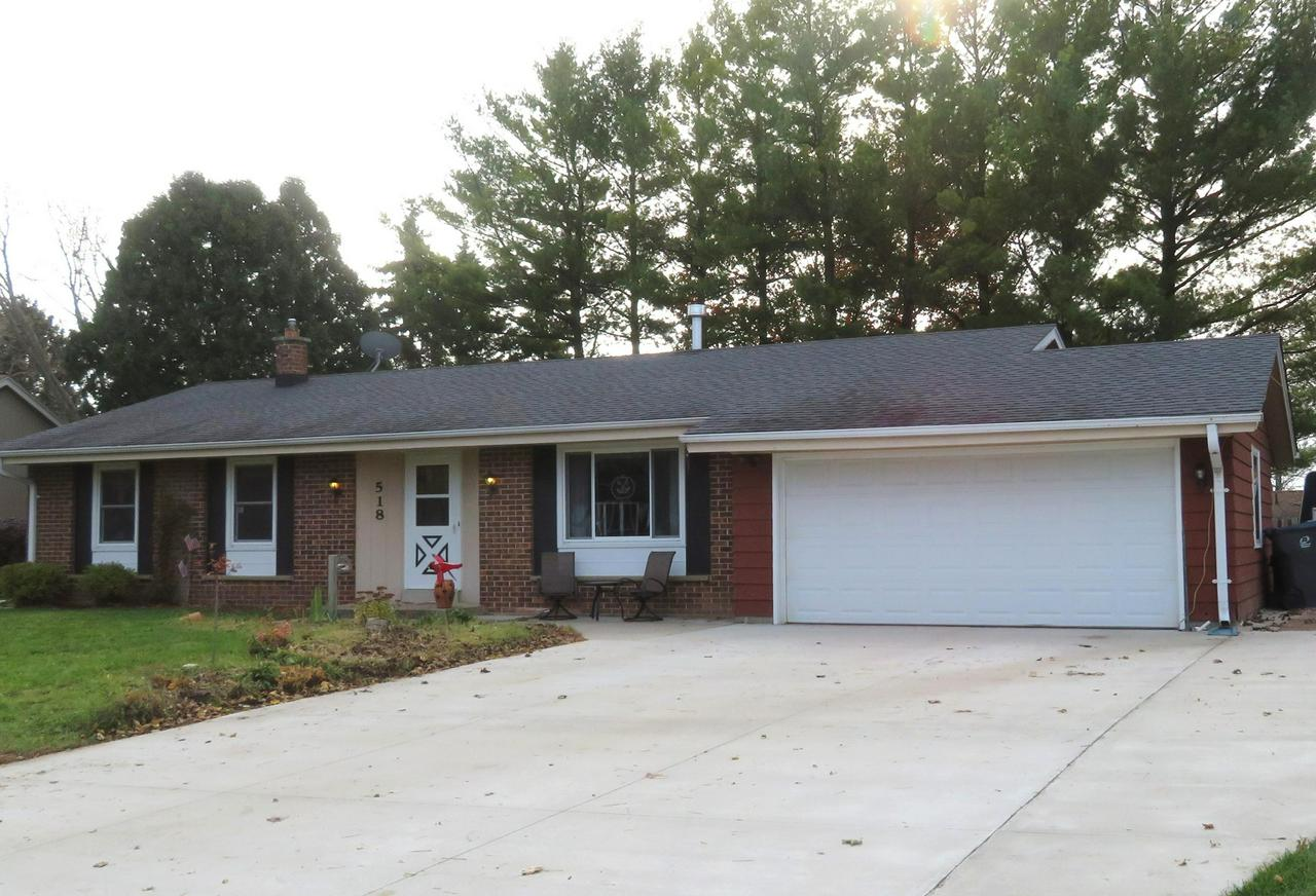 What a great location! This Hartland ranch is steps away from the playgrounds and ball fields, tennis & basketball courts of Penbrook Park on a cul-de-sac lot with privacy. The sellers recently created an open kitchen/family room with a new corner gas fireplace. An additional formal living room/dining ''L'' offers separate family space.The attractive brick/aluminum exterior is enhanced by a new 5'' thick concrete driveway, and other updates are windows (transferable warranty),garage and entry doors,and roof & gutters. The rear yard is fenced for privacy and has many plantings and perennial flowers. Don't miss out on this sought after Hartridge home on a great setting in the Arrowhead School District!