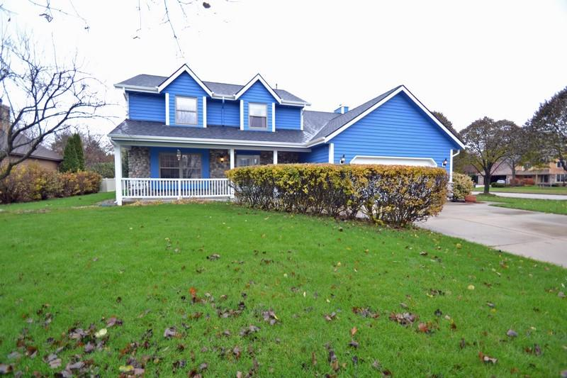 Enjoy this 4-bedroom, 2.5 bath, well landscaped colonial, on a quiet cul-de-sac in Hartland.  Nice and peaceful, tree lined yard, offers plenty of privacy. Family Room has Natural Fieldstone Fireplace and Built Ins. Kitchen tastefully updated with Island and stainless steel appliances. Large master bedroom with vaulted ceilings and attached updated bath. Home also has a lower level rec room with pool table. Very convenient location with many updates throughout! Home Warranty Included!