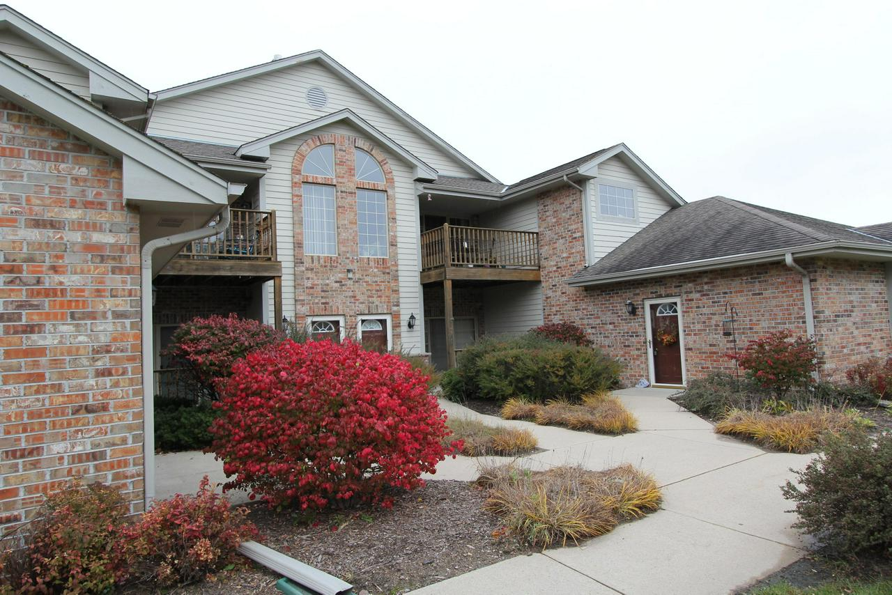 Sun filled and spacious, Open Concept upper unit! Vaulted ceilings with a gas fireplace. This is a popular style that offers casual comfort that's great for entertaining any size gathering.Patio doors lead to a large deck. A bonus room can be used as an office or den or just storage. A Large 2 garage with private entry-everyone's favorite! Pets are welcome. Set your appointment today!